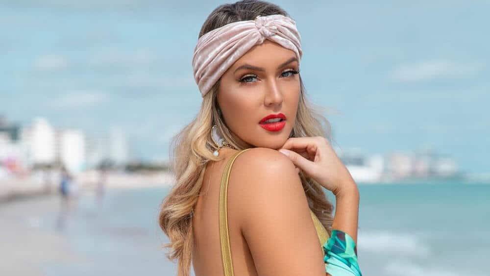 Venezuelan Women - Meeting, Dating, and More (LOTS of Pics) 4