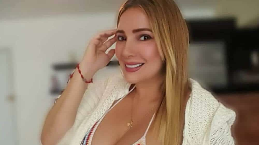 Venezuelan Women - Meeting, Dating, and More (LOTS of Pics) 53