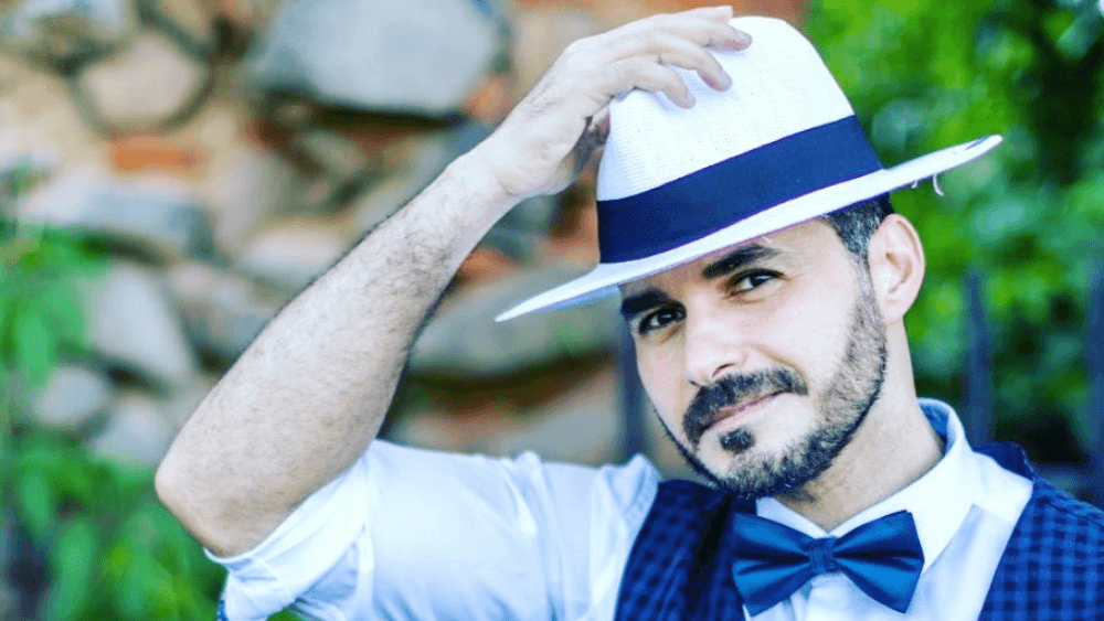 Romanian Men – Meeting, Dating, and More (LOTS of Pics) 28