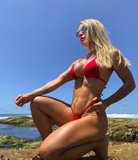 Cougars on Instagram [year] - A List of the Hottest [+Contact] 13